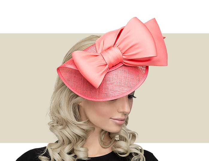 This is a wonderful way to make a great statement at your wedding without  being too over the top. Bridal fascinators often feature things like  beautiful ... 6379f1b2b1c