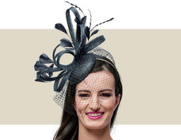 FEATHER FASCINATOR WITH VEILING - Black