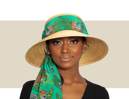 SAFARI HAT WITH GREEN LEOPARD SCARF