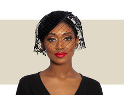 BERET WITH LACE MOTIV CRYSTAL VEILING - Black