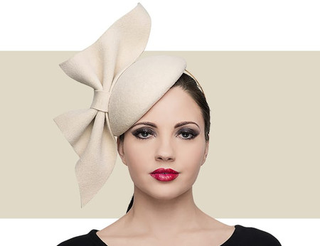 Slanted Bow polar beret for winter