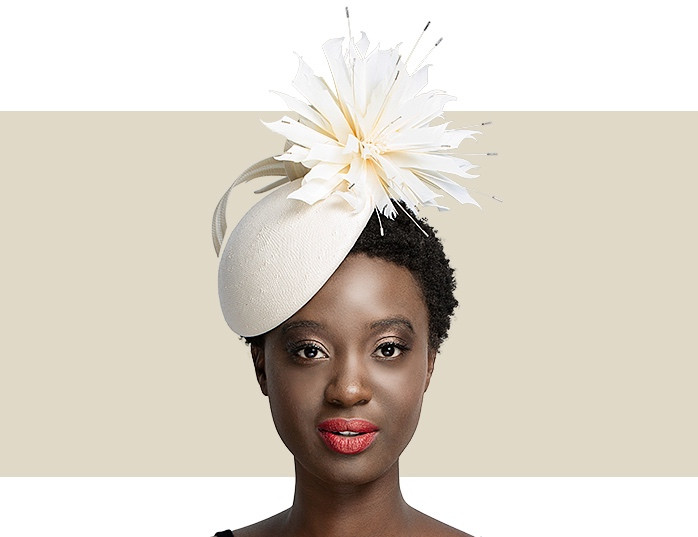 Home · Hats  FEATHER FLOWER BERET - Ivory. Image 1 f4dd6ebe075a