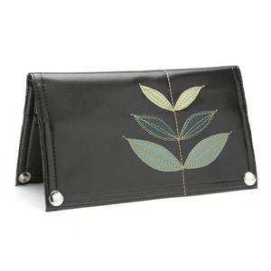 Queen Bee Maximo Sprout Wallet - Black