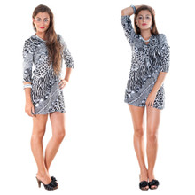 V-Neck w/ Three-Quarter Sleeves Animal Print Tunic Coverup in Black / White