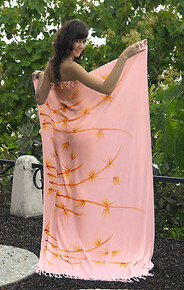 Bamboo Sarong in Light Pink