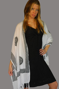 Black / White Interlace Knotwork Celtic Half Sarong