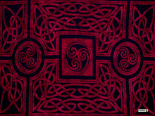 "Celtic Circles High-End Pertama Sarong, ""Merlot"""