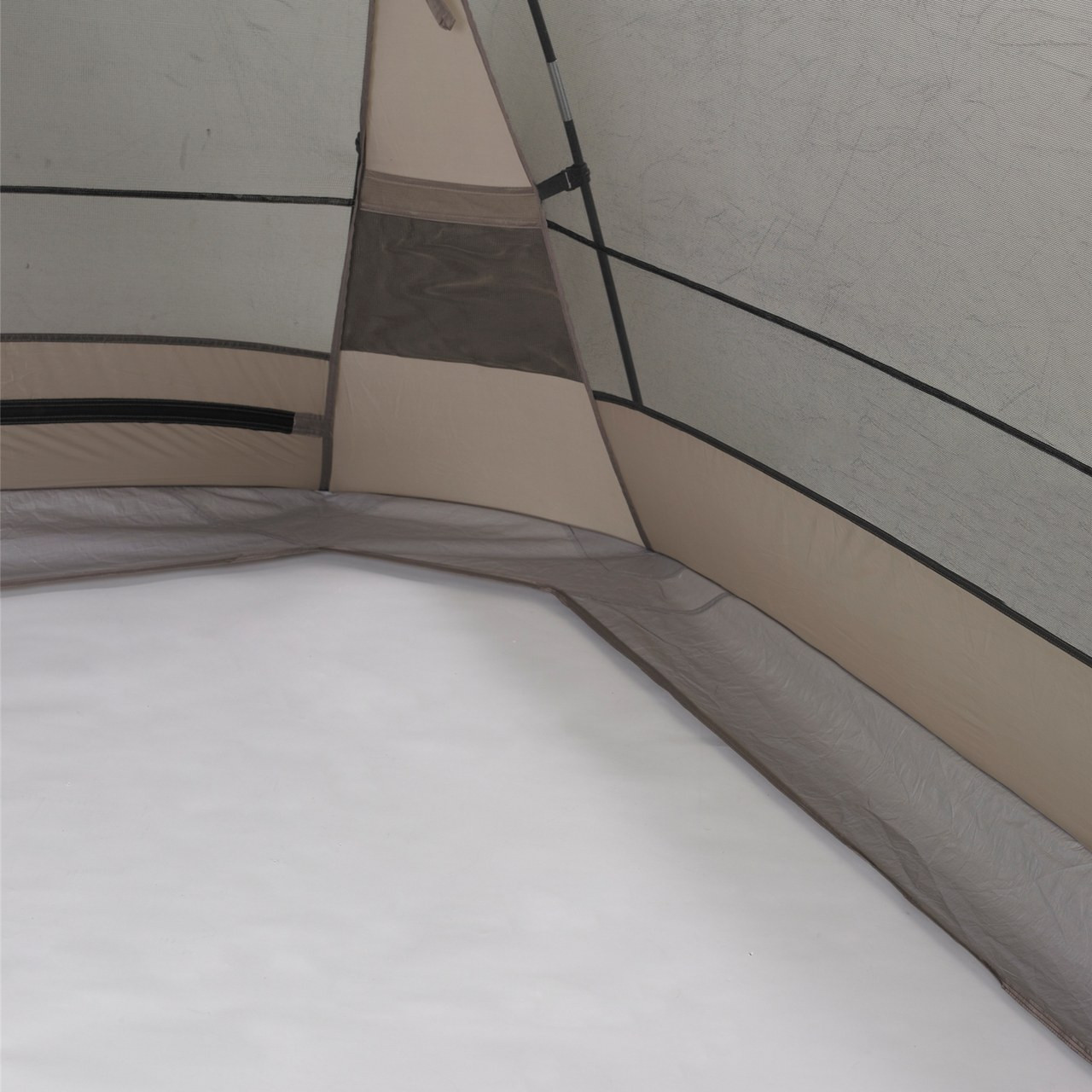 Close up view of a corner from the inside of the Wenzel Sun Valley shelter