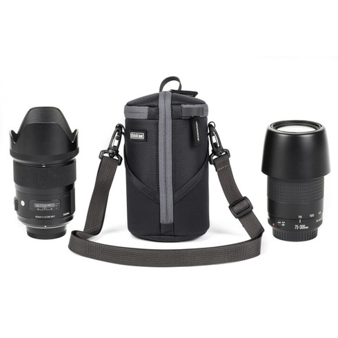 Lens Case Duo 15 is a camera lens holder bag designed to carry select lenses without a lens hood.
