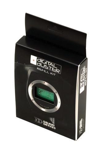 Delkin Sensor Scope System Refill Kit includes 15 - SensorSafe® Wands and 1, 0.25 ounce bottle of Sensor Solution®.