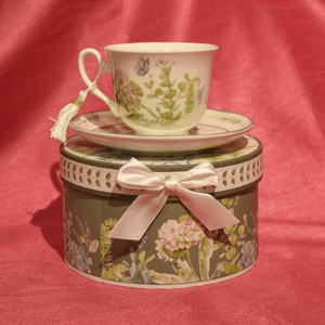Hydrangea Cup and Saucer with Gift Box