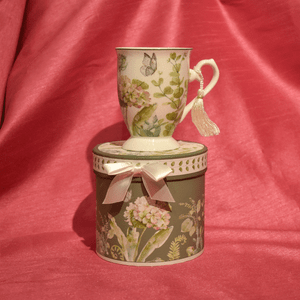 Hydrangea Mug with Gift Box