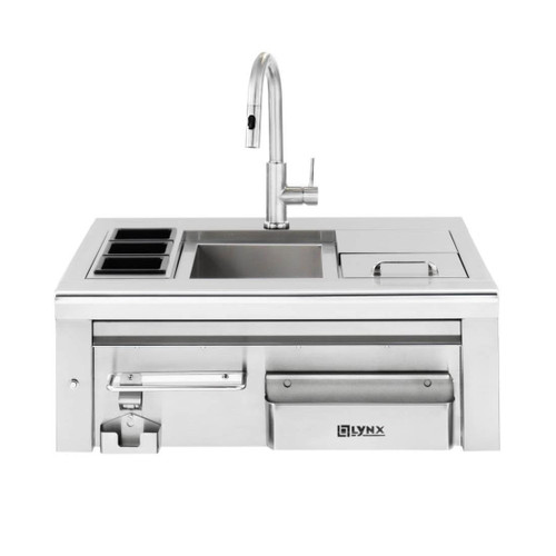 30 Outdoor Kitchens And Grilling Stations: Lynx LCS30 Professional Built-In Cocktail Pro Station With
