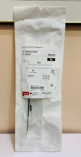"G07857 9Fr. x 13cm Flexor ® Introducer  KCFW-9.0-38-RB ,  3.2mm ID, 13cm Length, .038"" Accepts Wire Guide Diameter With Small Check-Flo ® Valve Doesn't include GW"