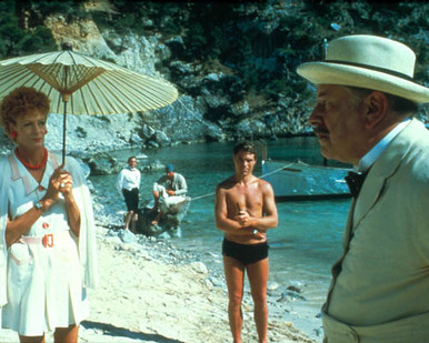 Peter Ustinov & Maggie Smith in Evil Under the Sun Poster and Photo