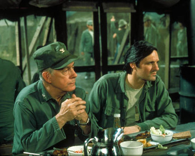 Alan Alda in M*A*S*H aka M.A.S.H. Poster and Photo
