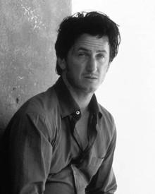 Sean Penn in U Turn Poster and Photo