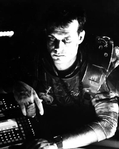 Bill Paxton in Aliens Poster and Photo