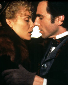 Michelle Pfeiffer & Daniel Day-Lewis in The Age of Innocence Poster and Photo
