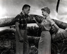 Mitzi Gaynor & Rossano Brazzi in South Pacific Poster and Photo