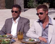 George Clooney & Brad Pitt in Ocean's Eleven a.k.a. O11 a.k.a. Ocean's 11 Poster and Photo