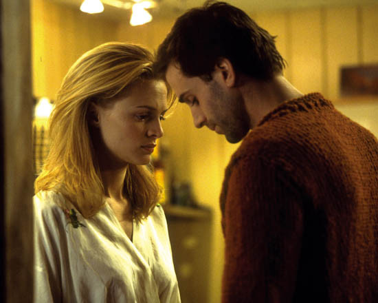 Heather Graham & Joseph Fiennes in Killing Me Softly Premium Photograph and  Poster - 1027622