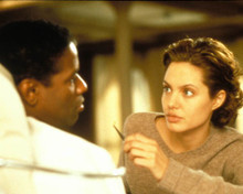 Denzel Washington & Angelina Jolie in The Bone Collector Poster and Photo
