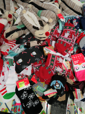 8+pc GRAB BAG Holiday SOCKS & SLIPPERS #15160P (L-1-2)