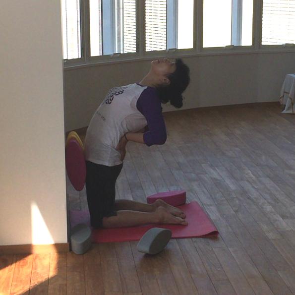 Tips for Camel Posture using ergonomic yoga blocks by Three Minute Egg