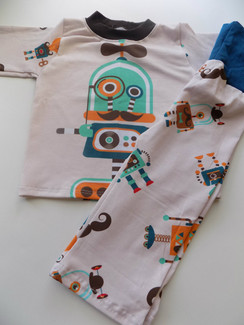 geeky Robots shirt and yoga pants set