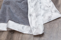 Saranoni Gray Lush/Gray Feather Satin Back Adult blanket