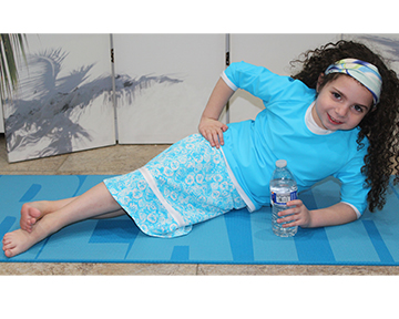 style-2619-in-turquoise-seashells-resting-in-small.jpg