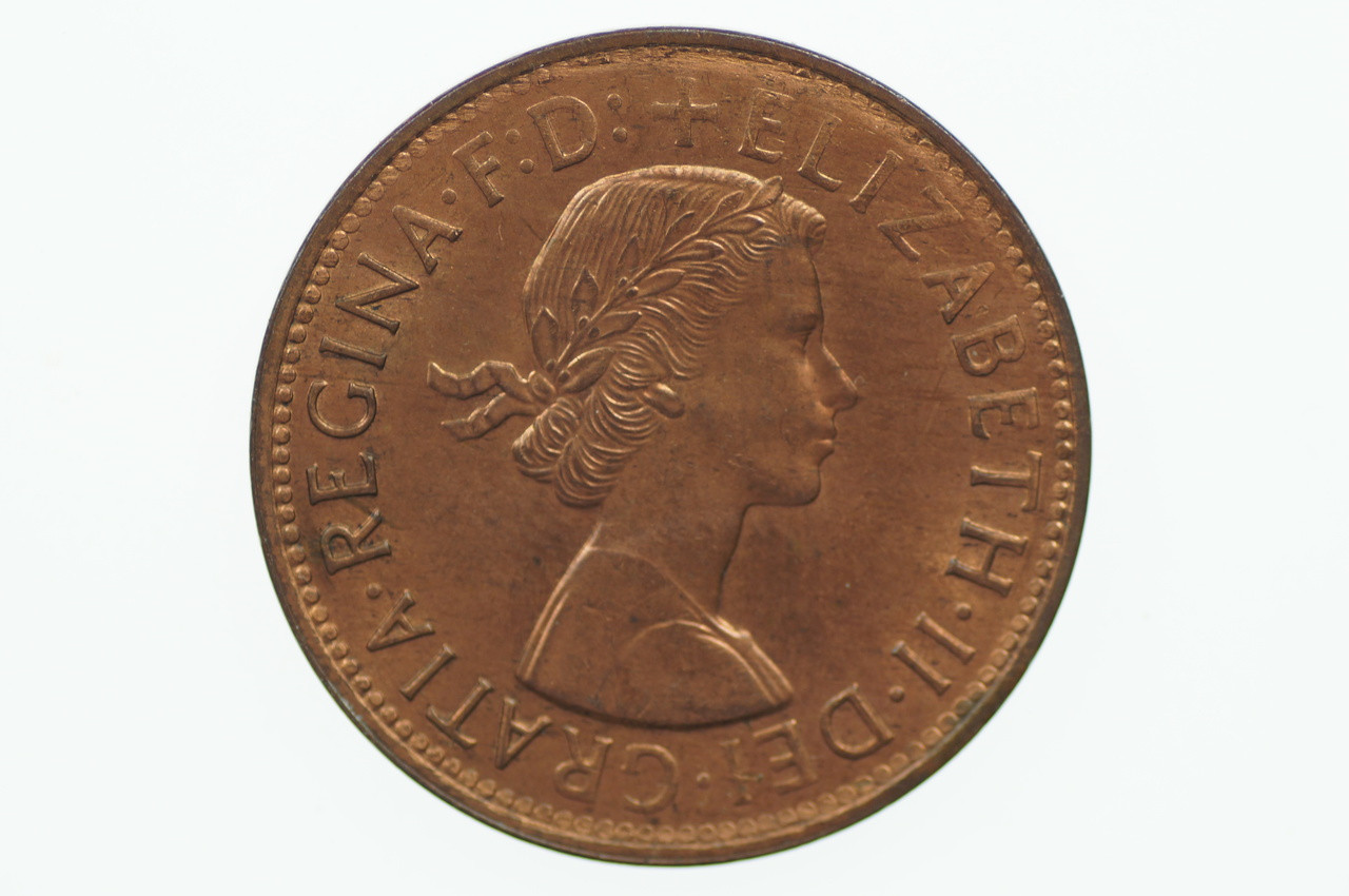 1959 Penny Elizabeth II in Uncirculated Condition Obverse