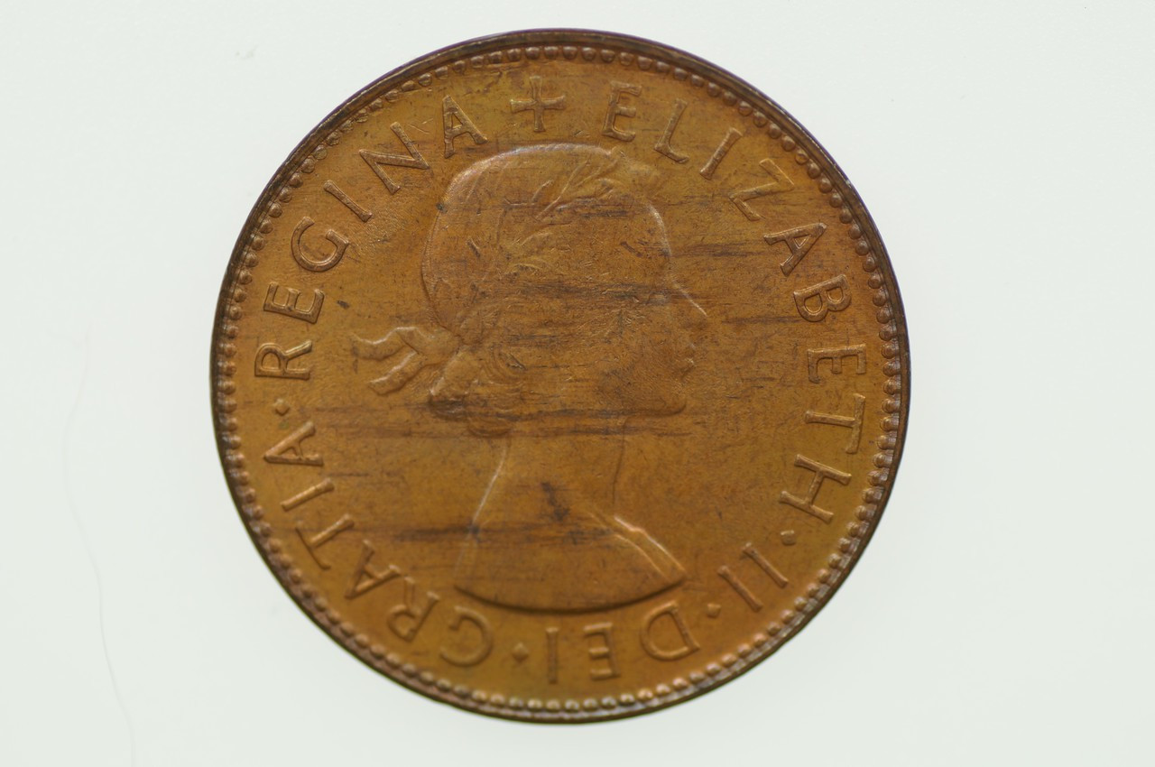 1954 Y. Half Penny Elizabeth II in Uncirculated Condition Obverse