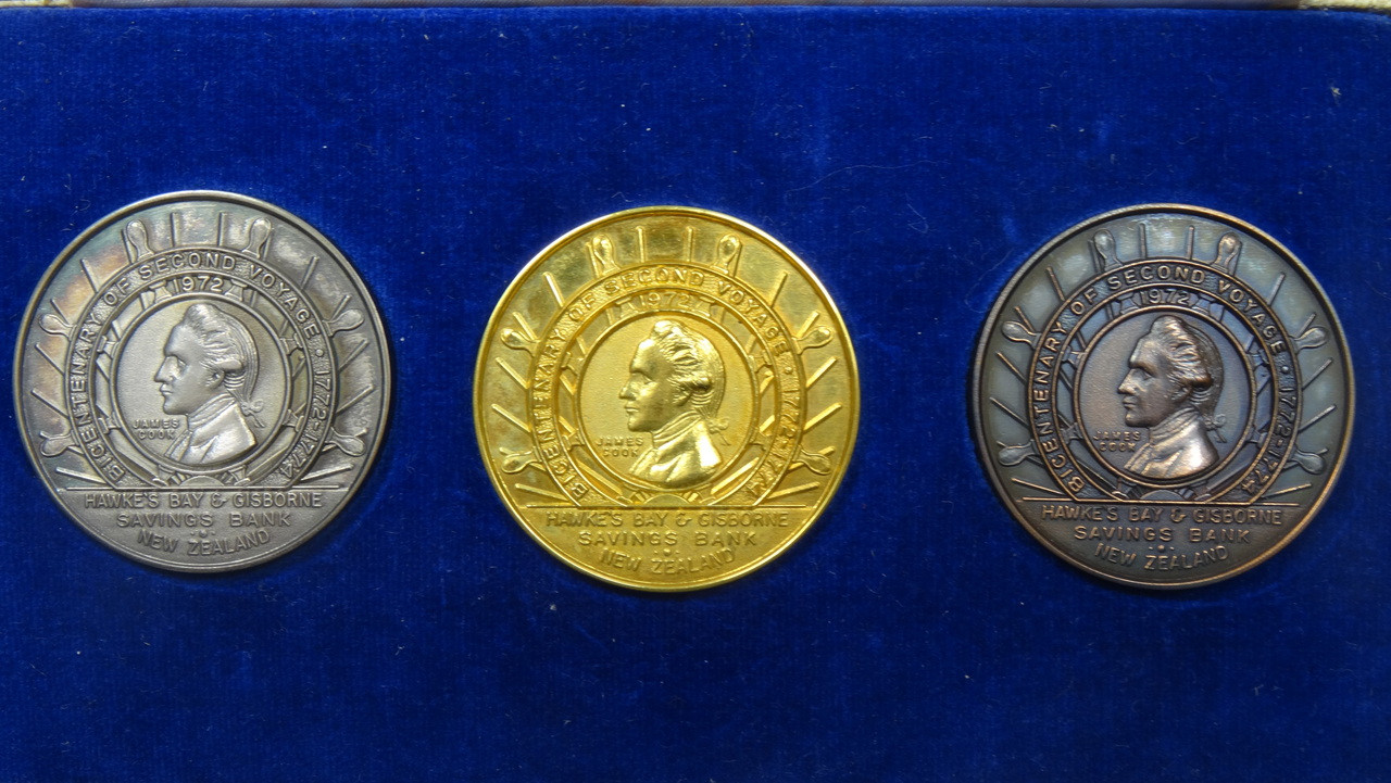 Captain James Cook's 2nd Voyage Gold, Silver and Bronze Medal Set Obverse