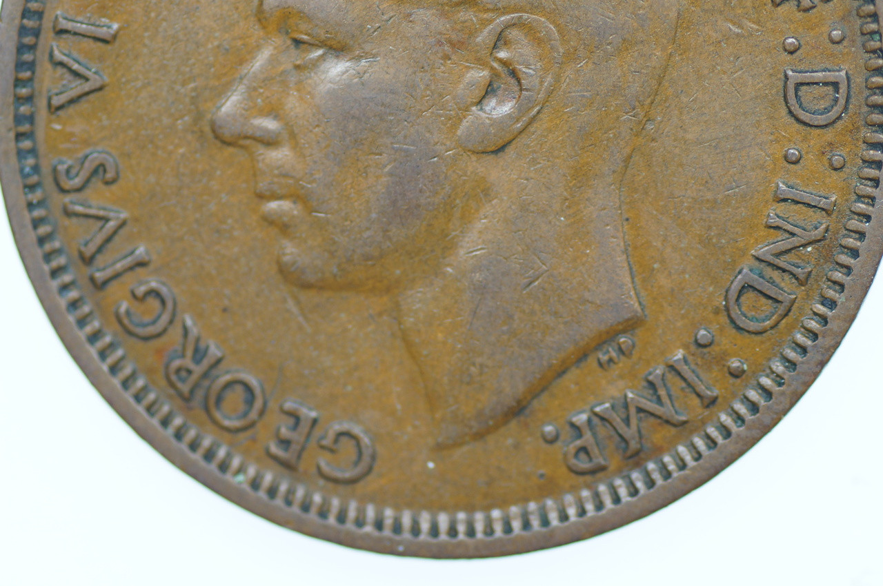 1942 I Penny Variety Missing Mint George VI in Very Fine Condition Close Up Obverse