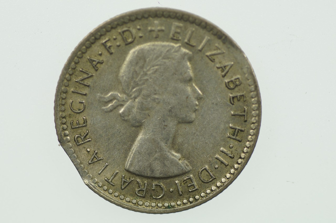 1962 Sixpence Variety Error Bitten Edge in Very Fine Condition Obverse