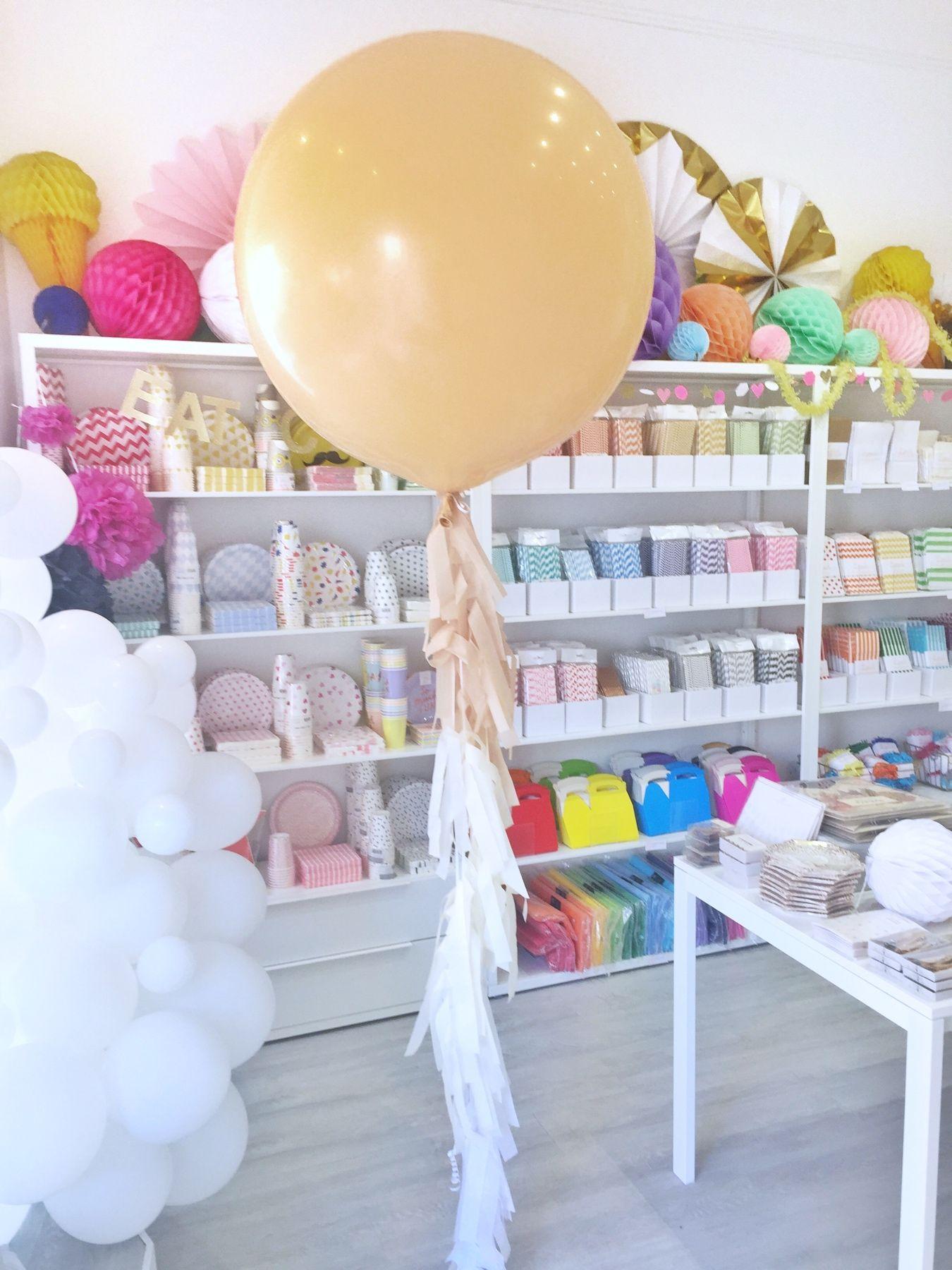 blush-and-white-giant-wedding-balloon.jpg