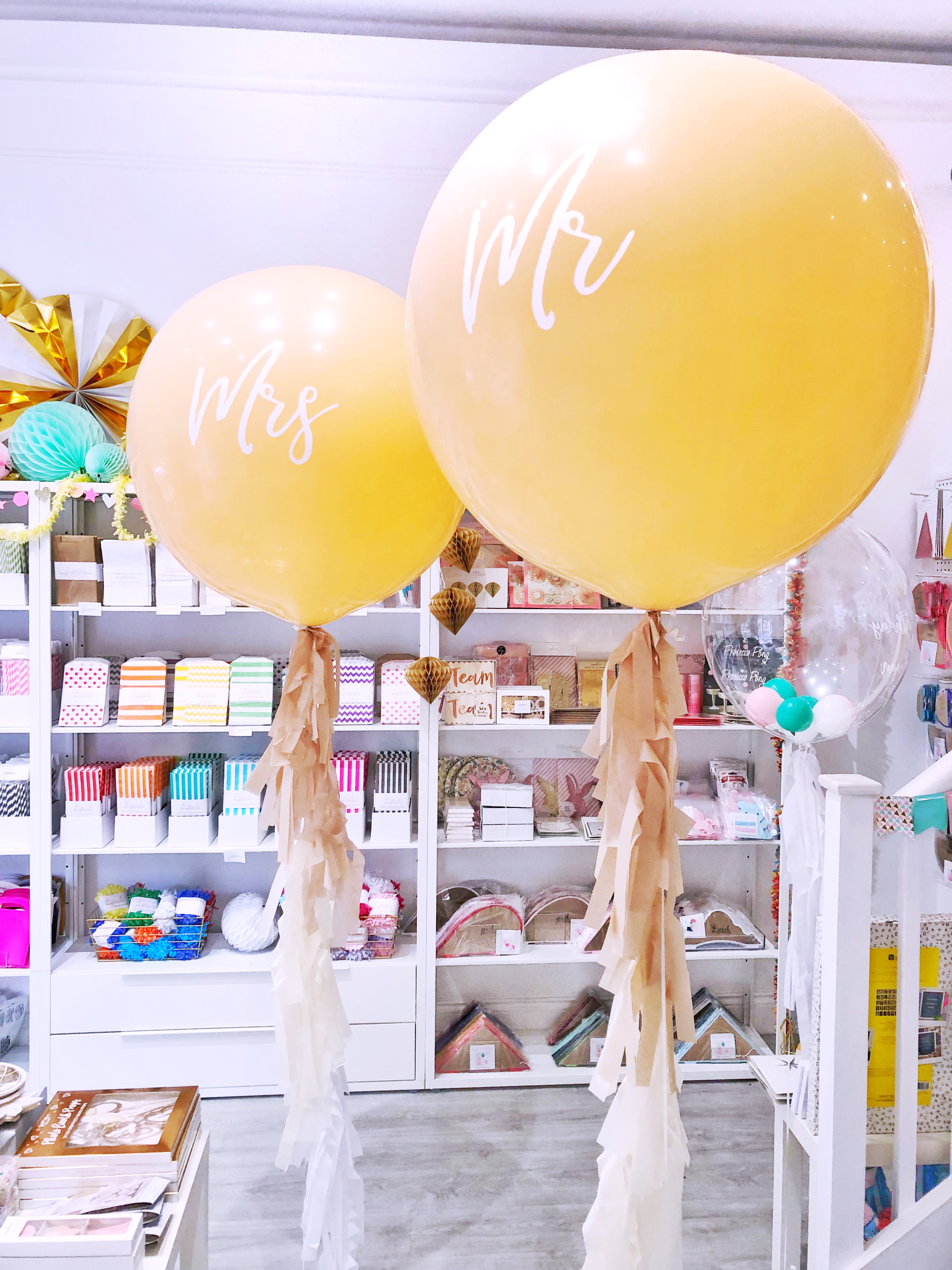 blush-mr-and-mrs-wedding-balloons.jpg