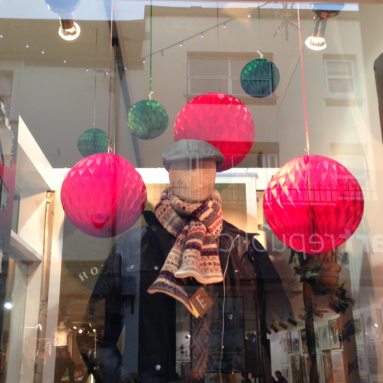 christmas-retail-visual-merch-display.jpg