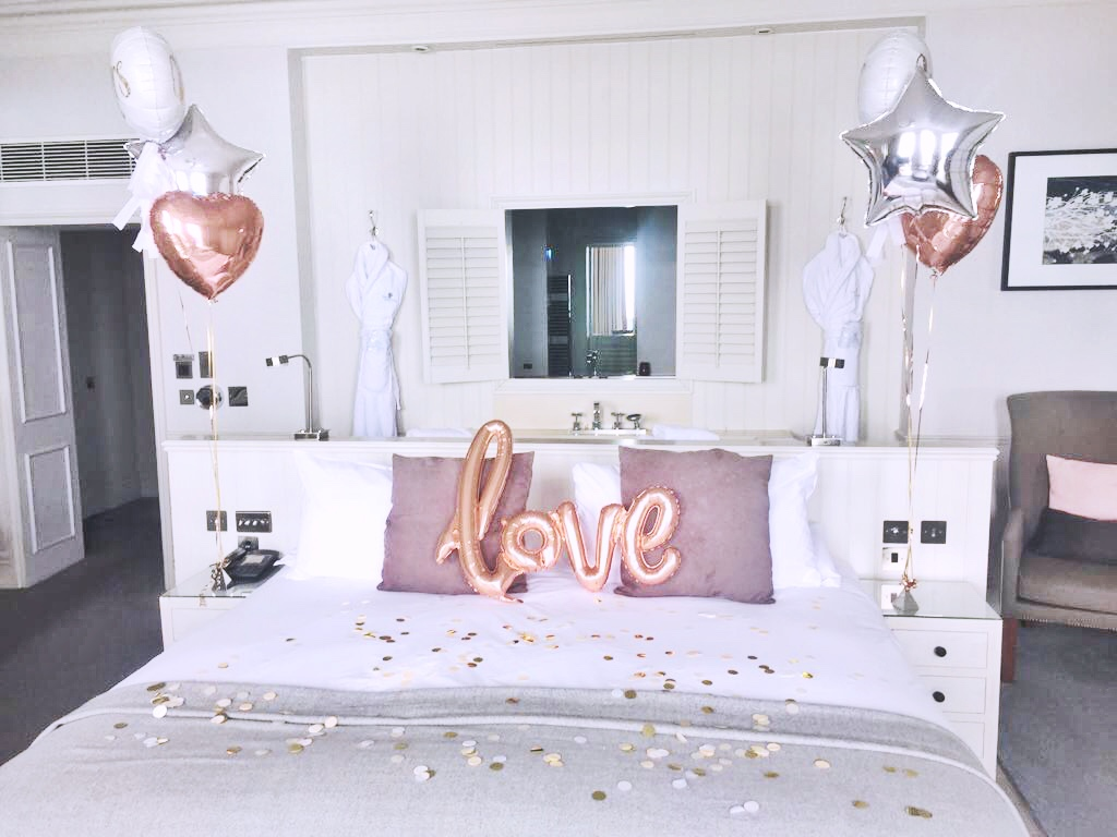 honeymoon-suite-wedding-balloons-at-the-grand.jpg