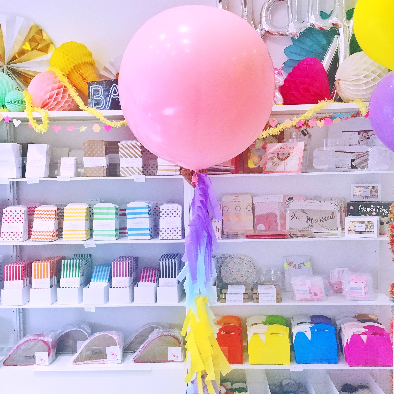 pastel-giant-balloon.jpg