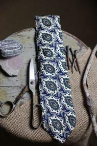 Structure Necktie