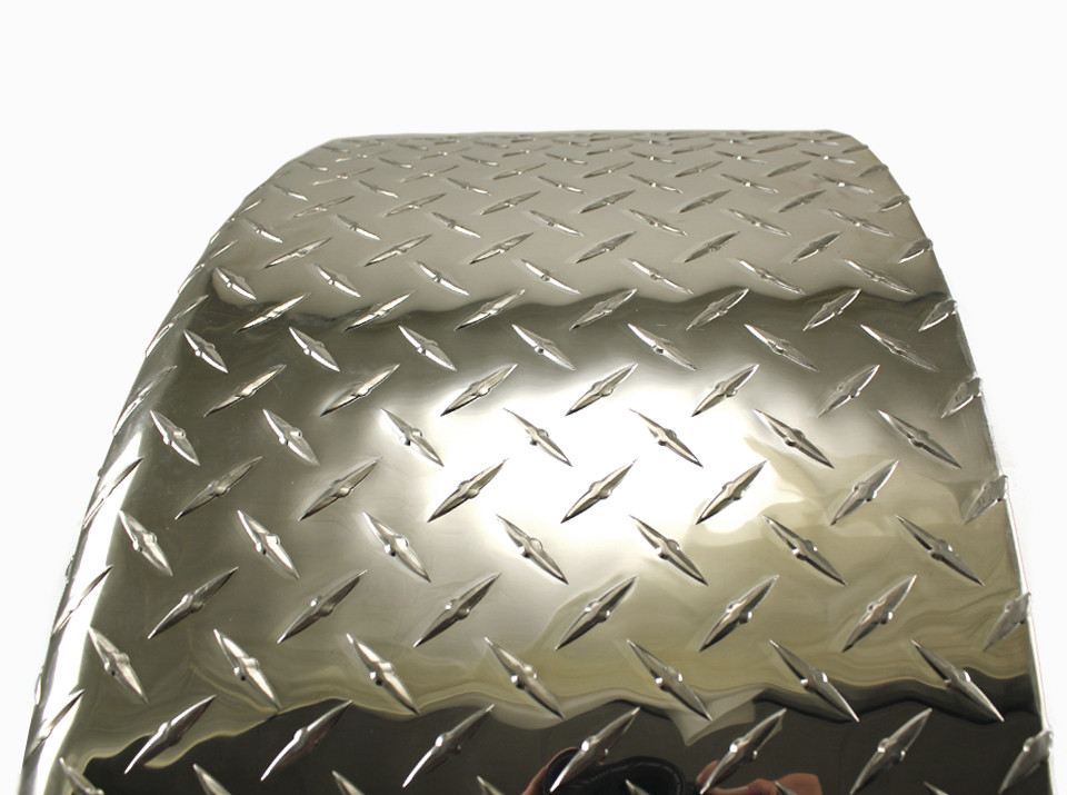 28x8 Single Axle Aluminum Tread Plate Trailer Fender diamond plate top