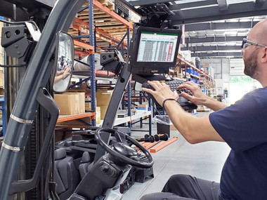 Havis Forklift Height Adjustable Overhead Mounting Package for Tablets with Keyboard Tray C-MH-1009