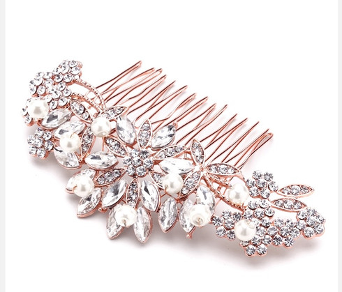 Beautiful, rose gold, comb. This comb is perfect for anyone wanting a classic look.