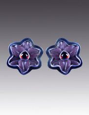 Amy Kahn Russell Hand Carved Amethyst Garnet Sterling Pansy Clip/Post Earrings