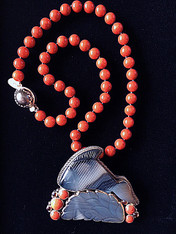 Bess Heitner/Amy Kahn Russell Coral Agate Fish Necklace