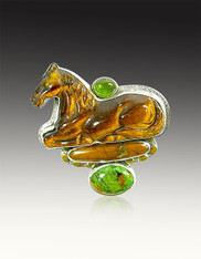 Amy kahn Russell Hand-Carved Tiger's Eye Horse Peridot Sterling Pin/Pendant