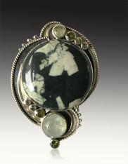 Echo of the Dreamer Chinese Writing Stone, Peridot S/S Pin/Pendant